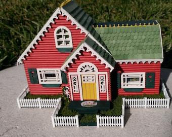 "Dollhouse Miniature ME 1/4"" Scale House"