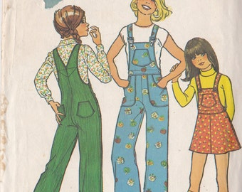 Simplicity 7032 Vintage Pattern Girls Overalls or Jumper Size 4 UNCUT