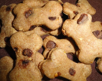 Polka Dots Dog Treats A Delicous Peanut Butter Bone with Carob Chips! When you want only the Best for your dog!
