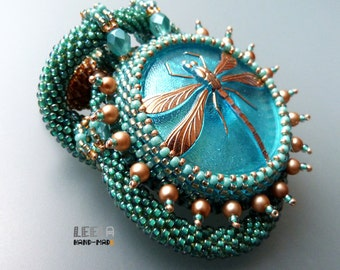 Dragonfly in cyan  - beadwoven necklace