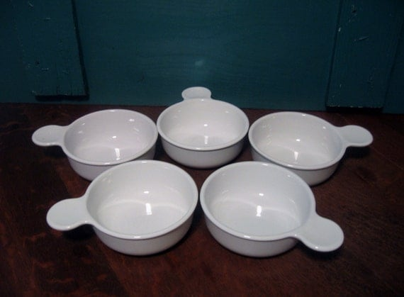Four Vintage Corning Ware White Pyrex Grab Its 1970s