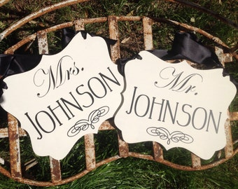 Mr & Mrs Last Name Chair Signs | Wedding Bride Groom signs | Photo prop | Wedding Reception signs | Wedding Decor | Personalized Chair Signs