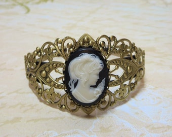 Cameo Bracelet Filigree Cuff Bracelet Adjustable Black White Cameo Antiqued Bronze Brass Downton Abbey Victorian Jewelry Vintage Cameo