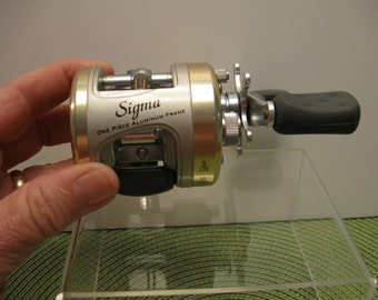Vintage SIGMA SBC 2804 Bait Casting Reel by Shakespeare