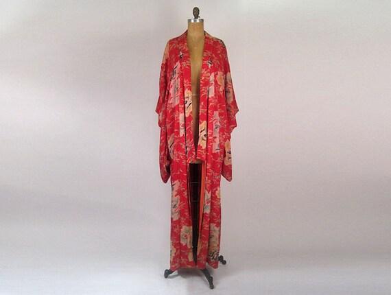 Vintage 1920s Silk Kimono in vibrant shades of pink