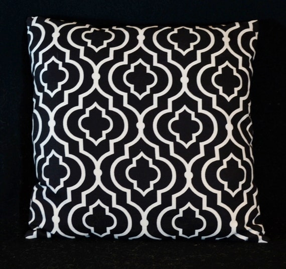 marokkanische vierpass kissen schwarz von poohpoohpillows auf etsy. Black Bedroom Furniture Sets. Home Design Ideas