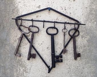 Vintage Rustic Iron Key Rack with 5 Vintage Keys