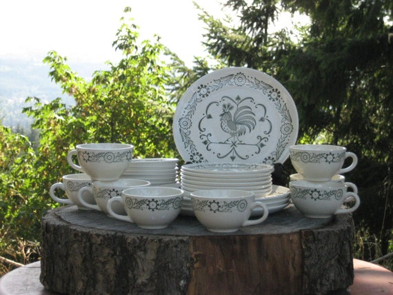 Scio Pottery Provincial Green Rooster Weathervane Dinnerware