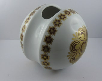 Probably 60s / 70s: Vase in spherical shape in white porcelain with red and gold decor. Krautheim Selb Bavaria Germany. VINTAGE