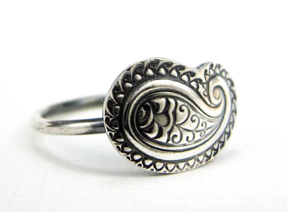 paisley ring sterling and silver ring size 8 1 2 bohemian