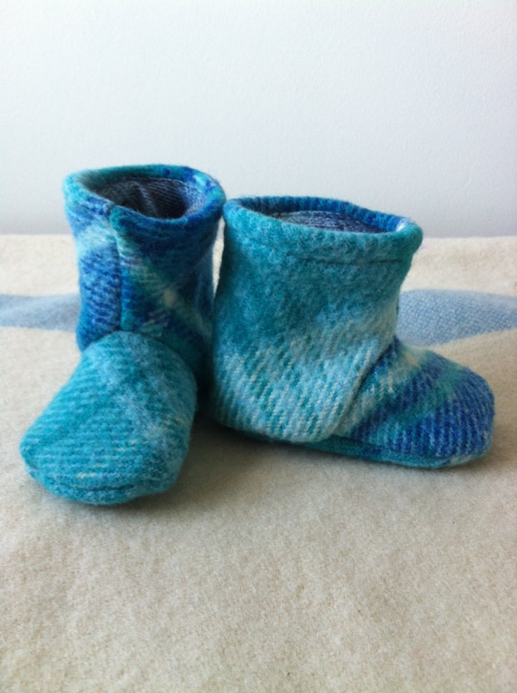 baby pure wool Juniper boots in ocean and sea size 3 - 6 months
