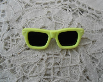 Retro sunglasses brooch neon vintage