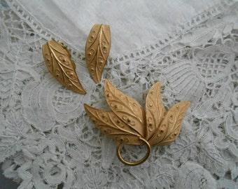 1950's Brooch/earrings set