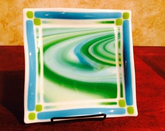 "8"" Fused Glass ""Ocean Currents"" plate"