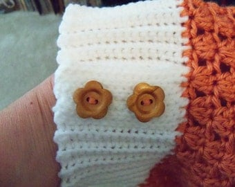 Woman's Slouch hat -- white and persimmon