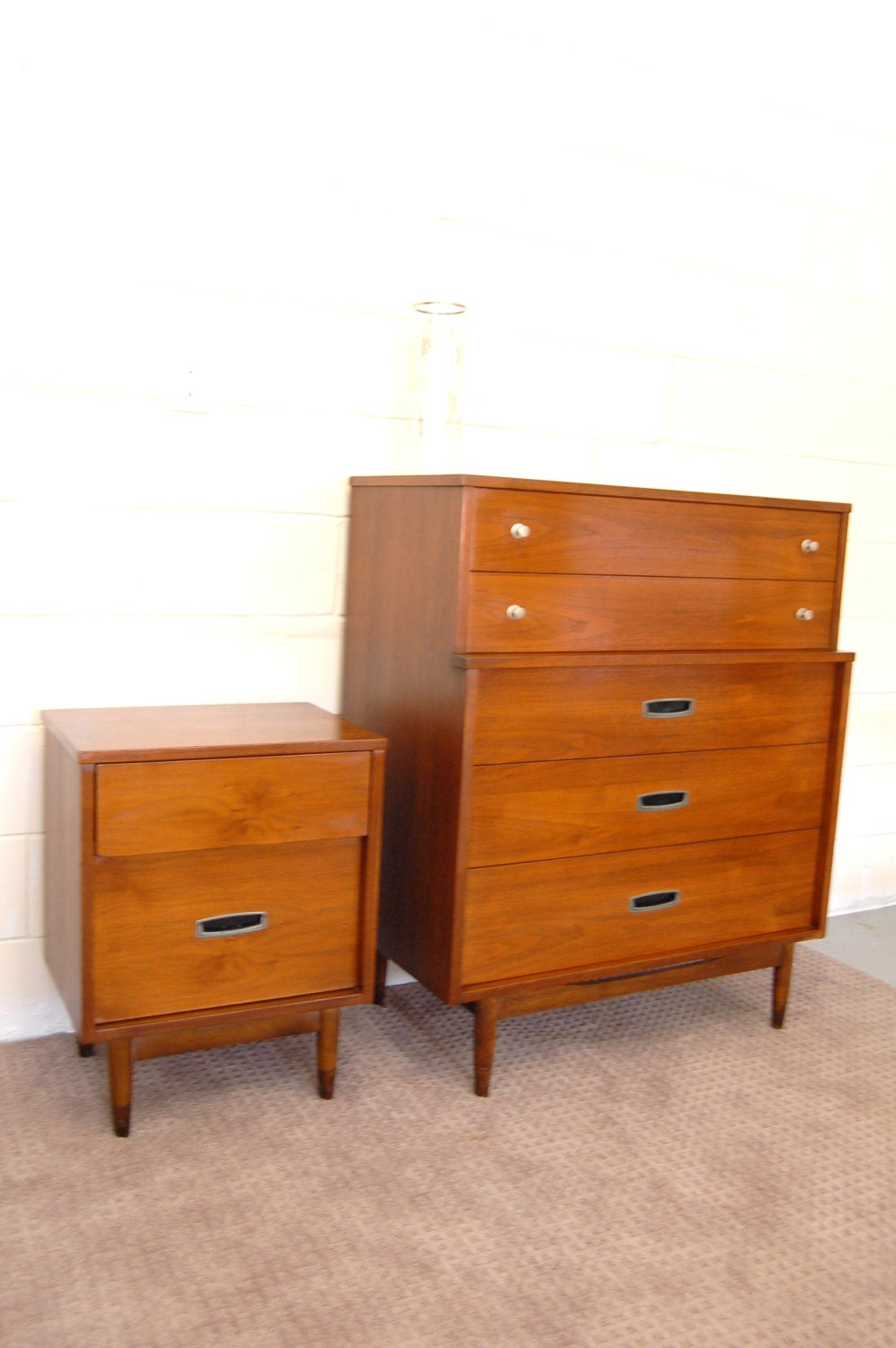 Mid century modern 5 drawer highboy dresser and nightstand for Contemporary dressers and nightstands