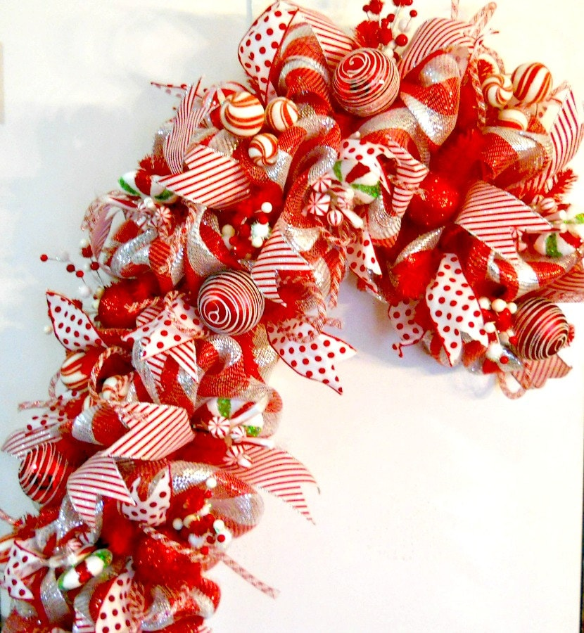 xxl gorgeous candy cane deco mesh wreath. Black Bedroom Furniture Sets. Home Design Ideas