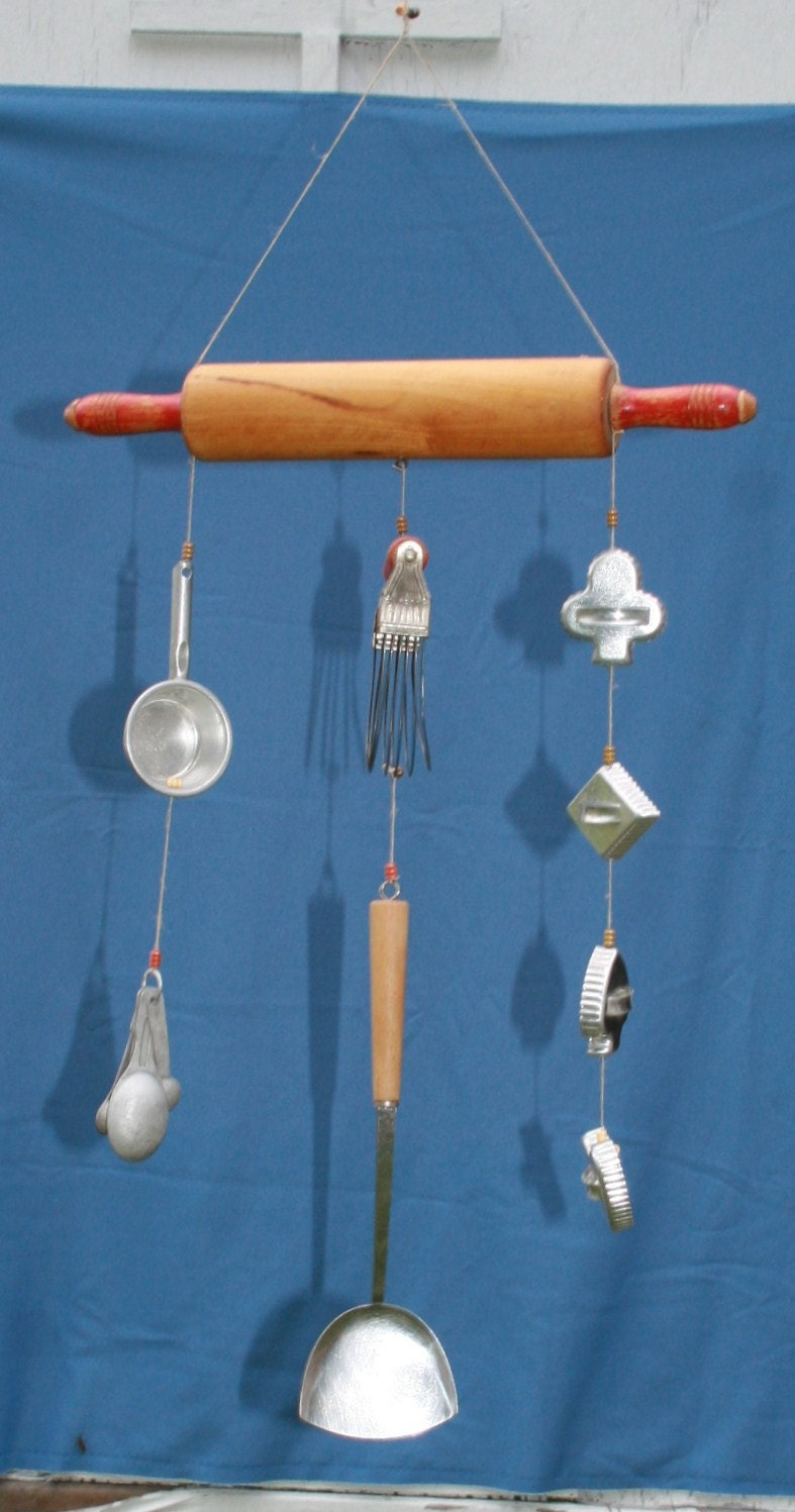 Vtg Baking Wind Chime Rolling Pin Cookie Cutters Measuring