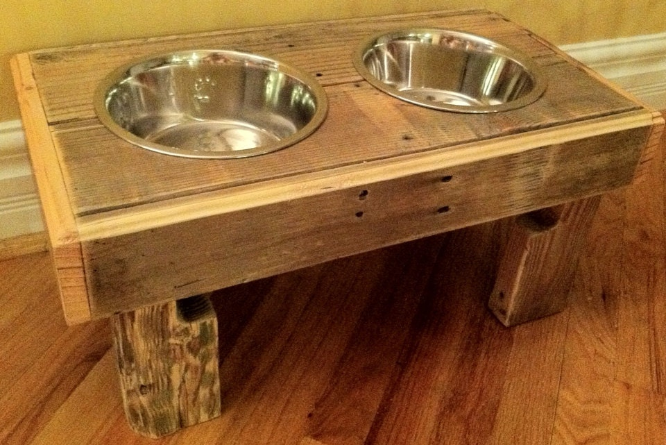 Reclaimed rustic pallet furniture dog bowl stand pet feeding - photo#37