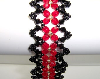 Red and black gothic bracelet, victorian bracelet, beadwork bracelet, black gothic bracelet, criss cross, black victorian bracelet BR016