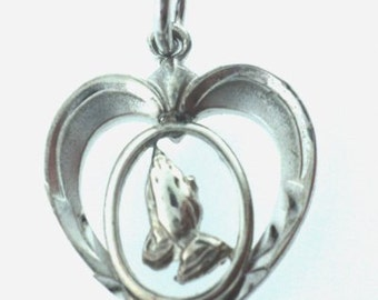 Praying Hands Heart Charm (JC-319)