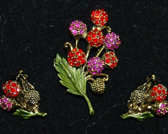 signed,hollycraft,brooch and earrings
