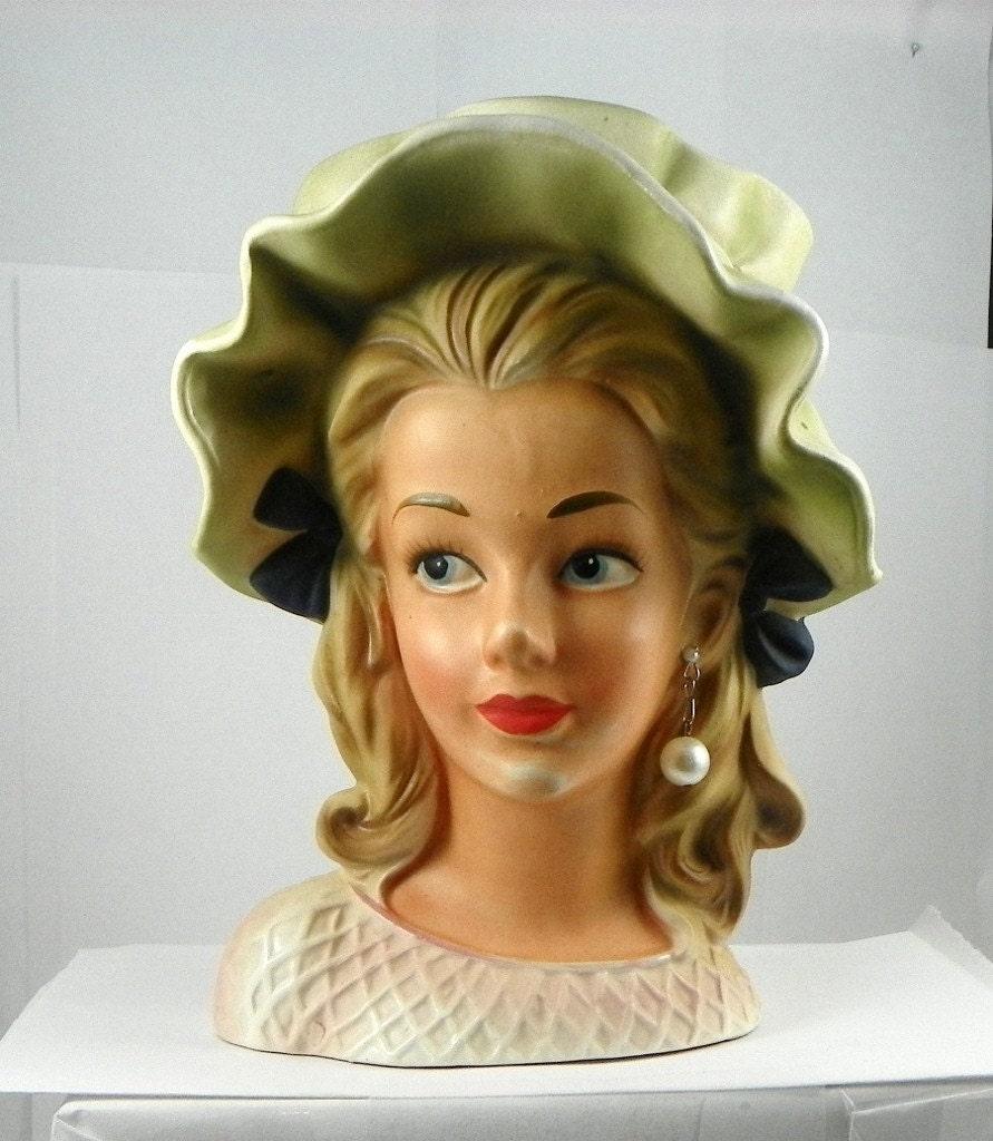Vintage Lady Head 31
