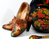 1940s Hand-painted by MURKA Russian floral new khokhloma la-Russ brown leather high wood heel Italy womens shoes booties art size 10/40.5