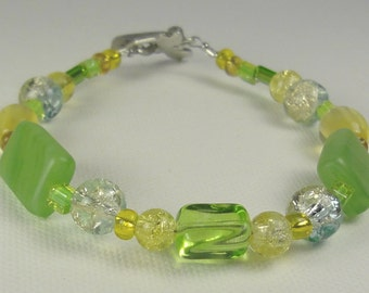 THE GARDEN- Stunning beaded bracelet with shades of grassy green and sunny yellow glass, silver & stone beads - Gorgeous