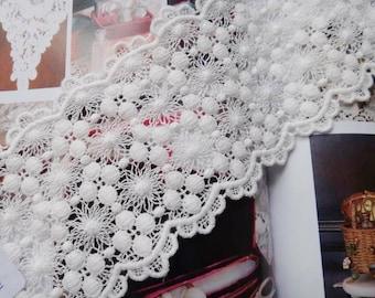 Crochet Lace Trim, Off White Lace Trim, Antique Lace Trim, 3.14 Inches wide 2 yards