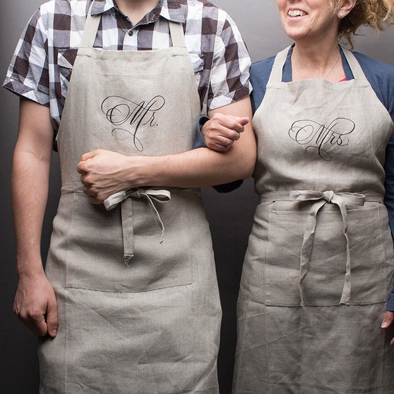 Gifts For Husband On Wedding Night: Mr & Mrs Aprons Newlywed Gifts Wedding Gift Unique Wedding