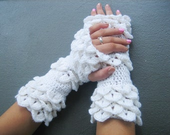 Dragon scale gloves bridal gloves wedding winter gloves white fingerless weding gloves Crocheted Gloves Arm Warmers Winter accessory