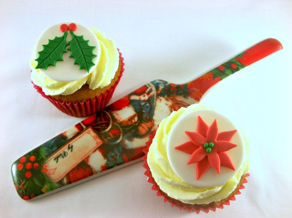 Edible Cake Decorations Holly Leaves : Items similar to Christmas Cupcake Fondant Edible Toppers ...