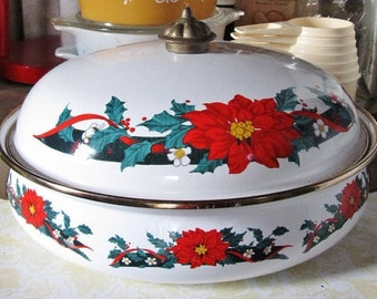 Closing Shop ! EVERYTHING ON SALE Vintage Enamel Christmas Poinsettia pot w/ lid