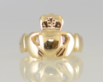 Vintage 14K Yellow Solid Gold Claddagh Ring