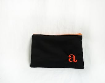 Monogrammed Makeup bag - Personalized Black Clutch - Bridesmaid clutches - Medium
