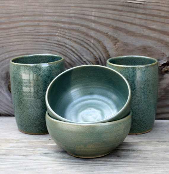Dinnerware Set in Speckled Green Tumblers and Bowls Handmade ~ Geschirr Keramik