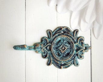 Shabby Chic Cast Iron Wall Hook / C OLOR is VERDIGRIS PATINA / Metal