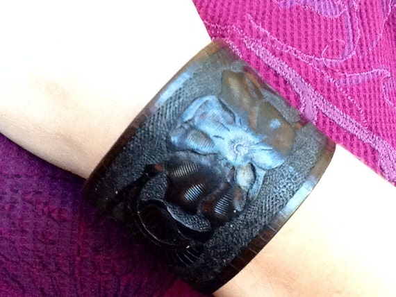 100% leather and handmade cuff bracelet with snap closure