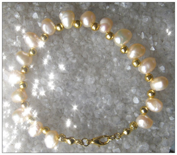 Handmade Gold Bracelet with Light Pink Sea Pearls by IreneDesign2011