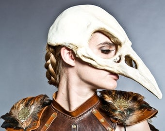 Bird skull mask in Bone finish