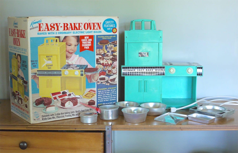 Kenner Easy Bake Oven In Original Box