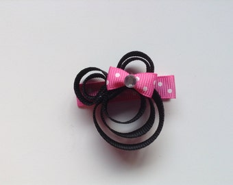 1.5 inch Minnie Mouse Inspired Bow Clip. Toddler 1.5 inch Minnie Mouse Inspired Bow Clip. Infant Hair Bow. Baby hair accessories.