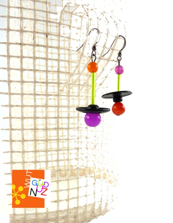 sculptural jewelry, dangle earrings, contemporary, eclectic, OOAK, asymmetric, black, orange, fuchsia, neon green, gunmetal