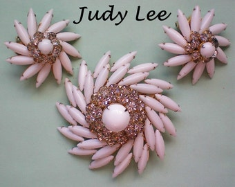 Judy Lee Milk Glass Brooch & Earrings - 3110
