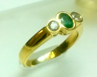 NEW -----  Emerald Diamond Ring in 14 K Yellow Gold  ----- ON Sale  .... Free Shipping in The USA