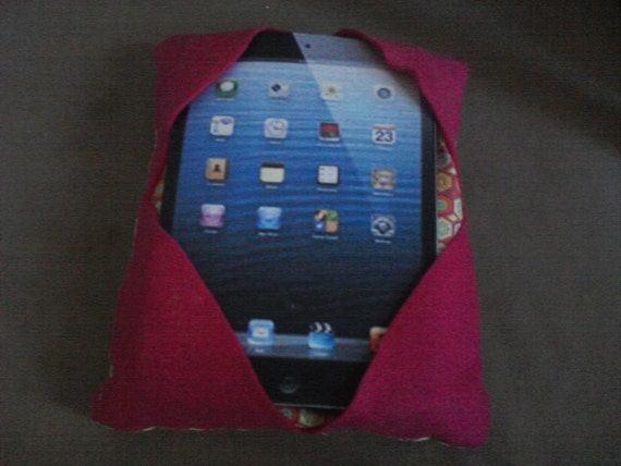 Cute Tablet Pillow : 8.5-10 inch tablet pillow/Kindle/Nook/Apple by AHappyLittlePlace