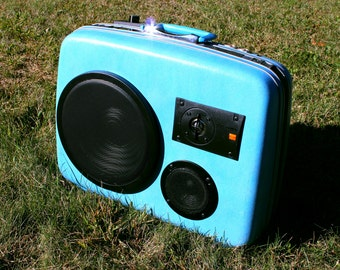 Custom Speakers - Vintage Suitcase BoomBoxes that sound great!