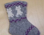 Children Lambswool socks, grey with white cats.
