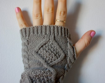 Fingerless Gray Knit Gloves